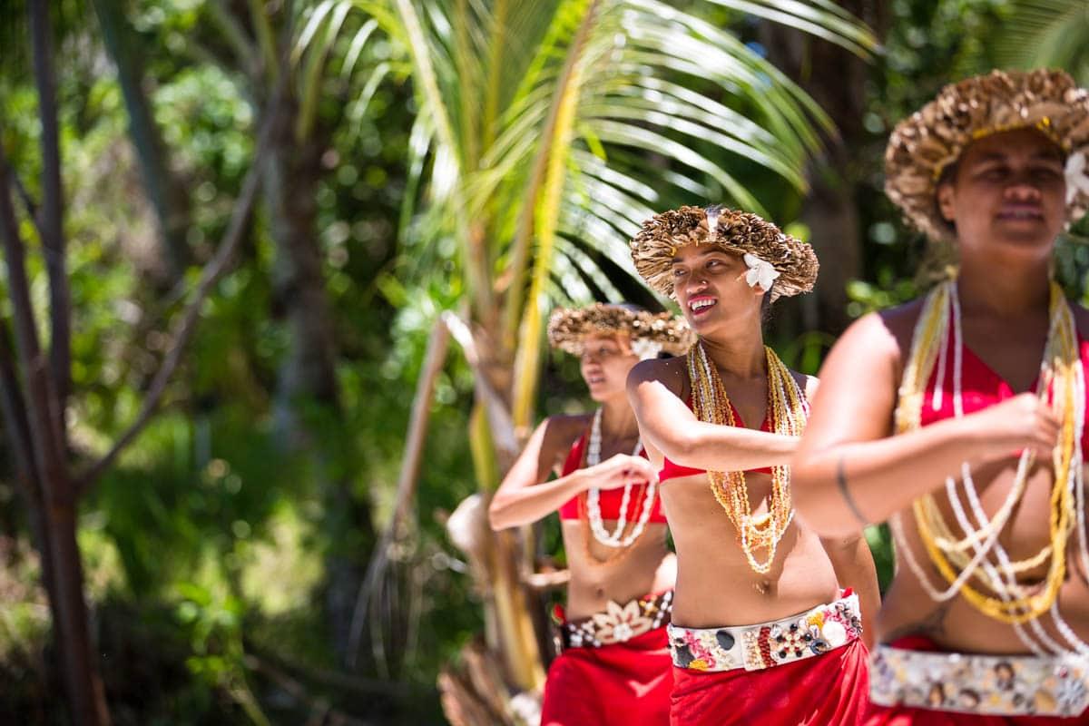 Polynesian wedding ceremony dancers