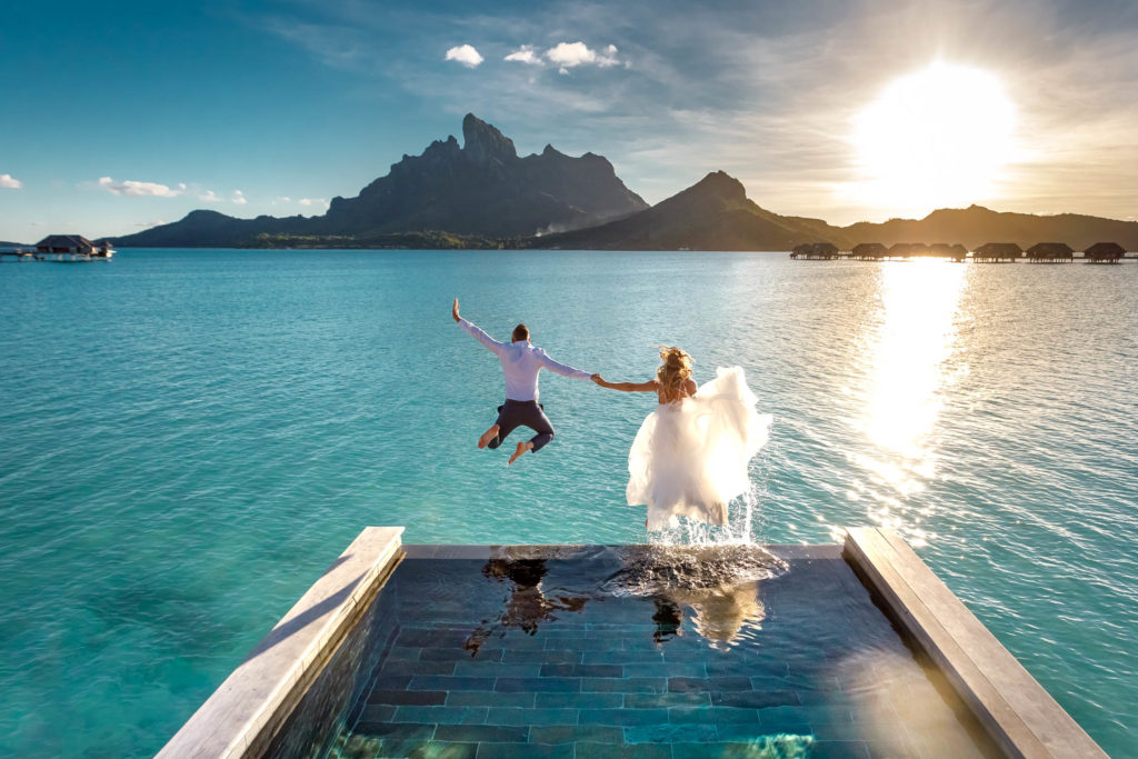 Trash the dress in Bora Bora