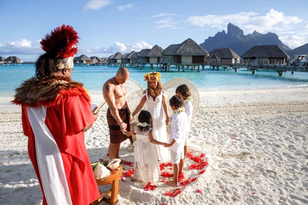 nature prayer during Polynesian wedding ceremony